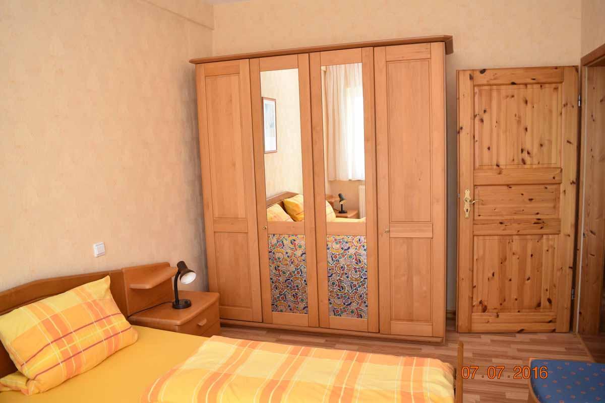Doppelzimmer 2 - Weingut an der Saar Ferienwohnung Weinlaube